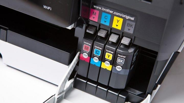 4 grunde til hvorfor du bør anvende uoriginalt blæk i din printer